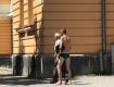 В Закарпатье полуголый мужчина пристает к людям на улице
