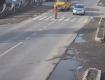 Видеокамеры в Закарпатье зафиксировали момент, как чуть не сбили девушку с ребёнком