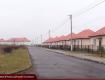 Сотни квартир и десятки домов: Почему современный жилой комплекс в Закарпатье разрушается у всех на глазах