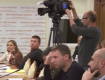 Парасюк поскандалил в Раде из-за внимания СМИ к его телефону