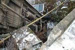 Автобуси на Закарпатті частенько летять і падають — то у прірви, то в канави