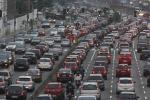 В Киеве на Святошинском мосту образовалась гигантская пробка
