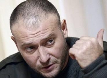 """Ярош призвал """"упаковывать"""" и судить итальянцев в Украине"""