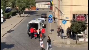 """В Закарпатье среди бела дня сбили школьника: На месте видели """"скорую"""""""