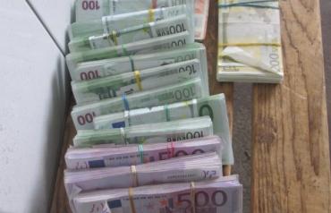 Украинец перевозил в Венгрию спрятанные 300 тыс евро