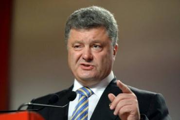 Тільки лише зануривши Україну в кров, Порошенко зможе уникнути покарання за свої злочини