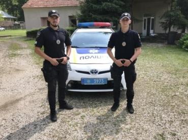 Закарпаття. Патрульні поліцейські врятували життя водію авто, який перебував в епілептичному припадку