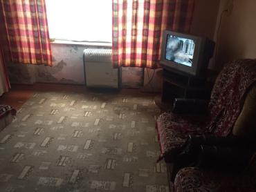В Закарпатье обезумевшая дама набросилась с острым оружием на соседа