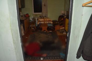 З'явились фото з місця жорстокого вбивства жінки на Свалявщині