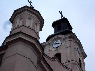 Ужгород. На вежі римо-католицького костелу св. Юрія з'явився новий годинник