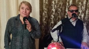 Аліна Кучинська разом з чоловіком Дмитром Варгою дарують «живу музику» та пісні на різноманітних заходах