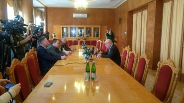 """Москаль: """"Спробу підпалити офіс Товариства угорської культури Закарпаття здійснили праворадикали однієї з країн Євросоюзу"""""""