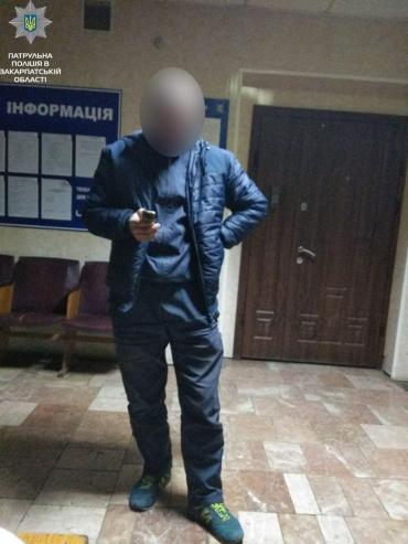 В Ужгороді патрульні виявили заборонені знахідки у водія