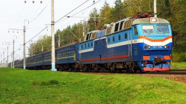 Москаль просить «Укрзалізницю» виділити додатковий – «сакуровий» – потяг до Ужгорода