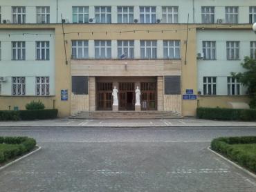 У суботу працівники ОДА прибиратимуть сквер і два парки в центрі Ужгорода