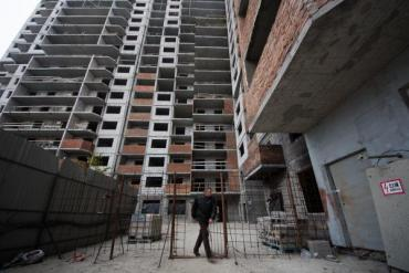 Ужгород. Ця будівельна історія тягнеться з 2008-го