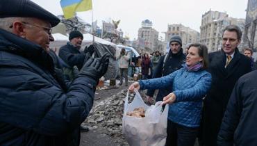 Стоимость бесплатного печенья от Нуланд - 7 лет оккупации Украины