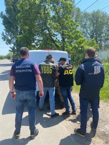 В Закарпатье пограничник не устоял перед соблазнительной взяткой и ух как горько пожалел