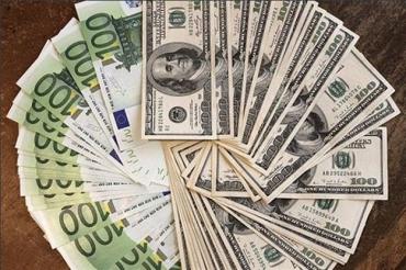 """""""Зелений"""" подорожчав на 6 копійок, євро — відразу на 11-ть копійок"""