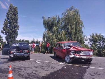 В Закарпатье на трассе ДТП - на автомобили страшно смотреть!