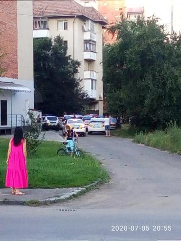 В Ужгороде наряд полицейский испугал район: Гадали на убийство, оказалось хуже