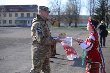 В Закарпатье торжественно встречали воинов 128-й бригады
