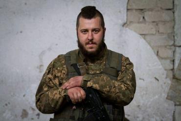 Доля молодого контрактника із Закарпаття на війні на Сході України