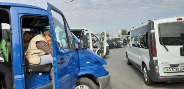Закарпаття. Скандальний протест керманичів автотранспорту в Чопі на кордоні з Угорщиною