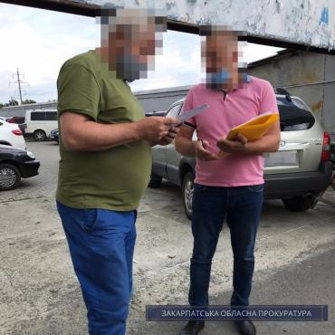 Исчез почти один миллион: В Ужгороде подали в суд на экс-директора аэропорта