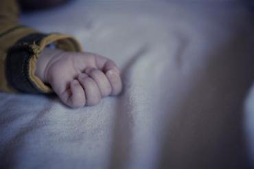 В роддоме на Закарпатье из-за неосмотрительности умер младенец, которому было три сутки