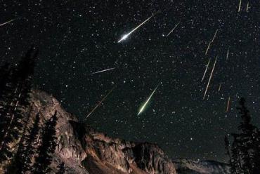 Мощный звездопад Лириды достиг своего пика: будем загадывать желания?