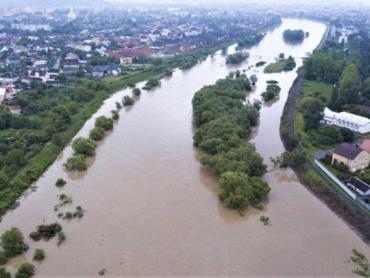 Рятувальники Закарпаття розповіли про збитки від розгулу водної стихії
