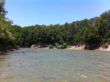 Закарпаття. Мертву дівчинку знайшли у паводкових водах річки Теребля