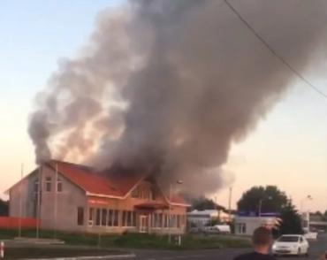 Огонь и дым пожара на украинско-венгерской границе были видны издалека