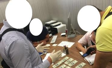 В Ужгороде на взятке поймали топ-чиновника