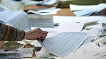 """Багатомандатний округ Закарпаття: опрацьовано 41,30% бюлетенів — """"Слуга народу"""" забирає більше 50,90% голосів"""