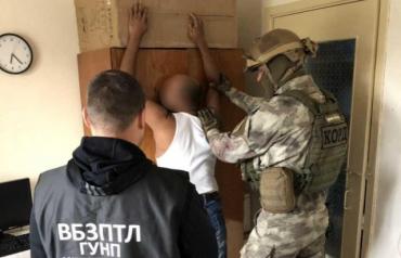 Організаторів та переправників 12 нелегалів судитимуть на Закарпатті