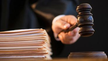 Судова помилка змусила суд перенести розгляд справи хабарника Юрія Гримчака на ранок 17 серпня