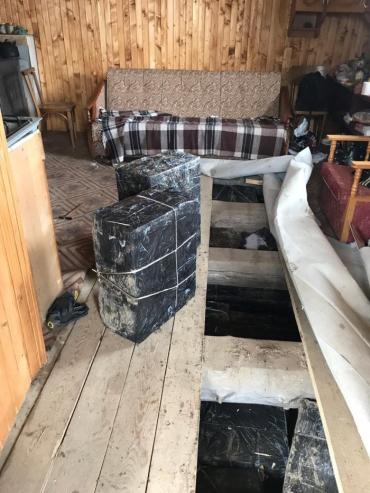 В Закарпатье дом обычного лесника скрывал под деревянным полом много интересного