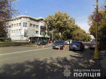 """Чому в Ужгороді пішоходи так """"поспішають"""" потрапити під колеса автомобіля"""