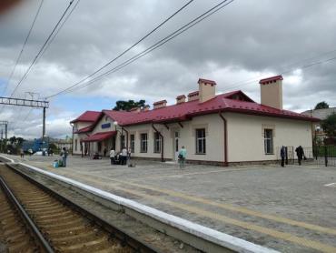 Залізничники Закарпаття прокладають повітряну лінію зв'язку довжиною 54 кілометри до станції Сянки