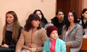 Закарпаття: Працівників дитячого будинку в Батьові судять за побиття вихованців