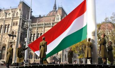 """Росія та Угорщина збираються об'єднатися для """"захисту прав"""" угорської нацменшини Закарпаття"""
