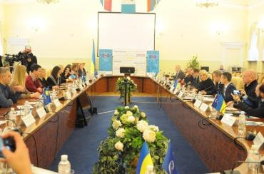 Всеукраїнський конкурс нагородив тележурналістів Закарпаття за висвітлення процесів децентралізації