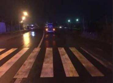 """У столиці Закарпаття """"Жигулі"""" збили людину на пішоходному переході — жертва у лікарні"""