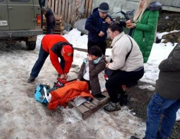Закарпаття. У лікарню в Ясіня доправили травмовану лижницю-туристку