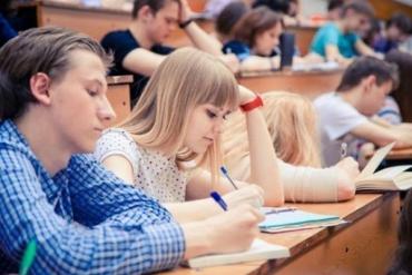 Є багато спільних проблем, які актуальні як для студентів в Україні, так і для студентів за кордоном