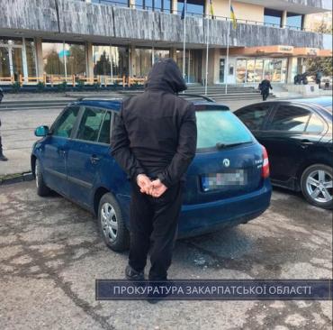 Ужгород. Словаку, в автомобілі якого виявили 2,2 кг метамфетаміну, прокуратура оголосила підозру