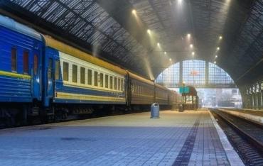 До Міжнародного Жіночого свята українцям запропонували 22 додаткові потяги