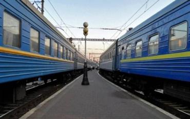 Коронавірус. МОЗ рекомендує жорсткі дії: припинити рух пасажирських потягів